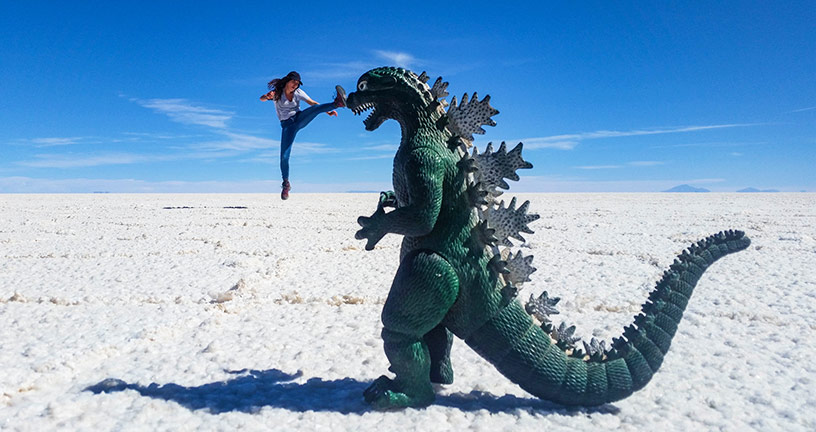 fun photos on salt flats bolivia
