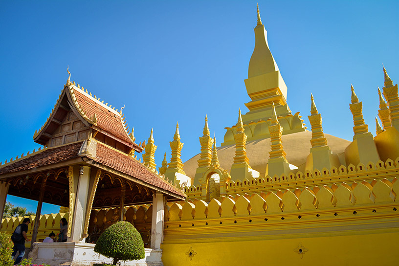 gold temple in laos