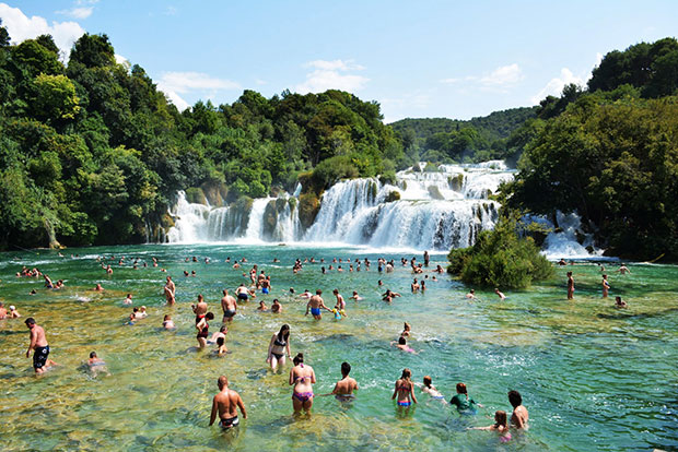 CoverMore_Lisa_Owen_Croatia_Krka_Crowd